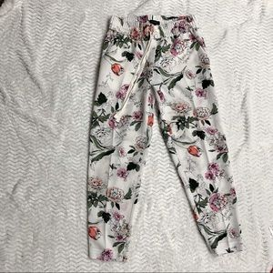 Floral ankle pants